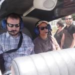 2 résidents dans le cockpit d'un petit avion
